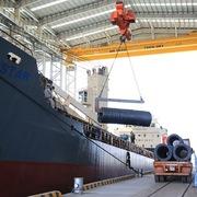 Sản lượng thép xây dựng Hòa Phát tháng 1 giảm gần 41% do ảnh hưởng từ Tết