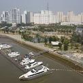 <p> Thời gian qua, toàn bộ dự án này chỉ có một số hoạt động của bến du thuyền khá sang trọng mang tên Water Bay Residence bên bờ sông Sài Gòn, nằm ở khu phía tây dự án.</p>