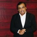 <p> Tài sản của tỷ phú Ấn Độ Mukesh Ambani gấp đôi sau 10 năm. Năm 2010, Ambani sở hữu khoảng 27 tỷ USD, còn tài sản hiện nay của ông là 55,7 tỷ USD theo thống kê của <em>Bloomberg Billionaires Index</em> ngày 11/2. (Ảnh: <em>Getty Images</em>)</p>