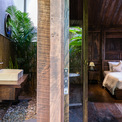 <p> Cây xanh có mặt ở khắp mọi nơi trong căn nhà, kể cả là một góc tường nơi dành để rửa mặt.</p>