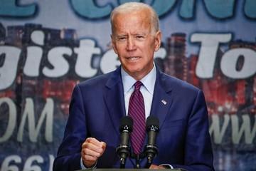 Tỷ lệ ủng hộ ứng viên tổng thống Joe Biden xuống mức thấp nhất