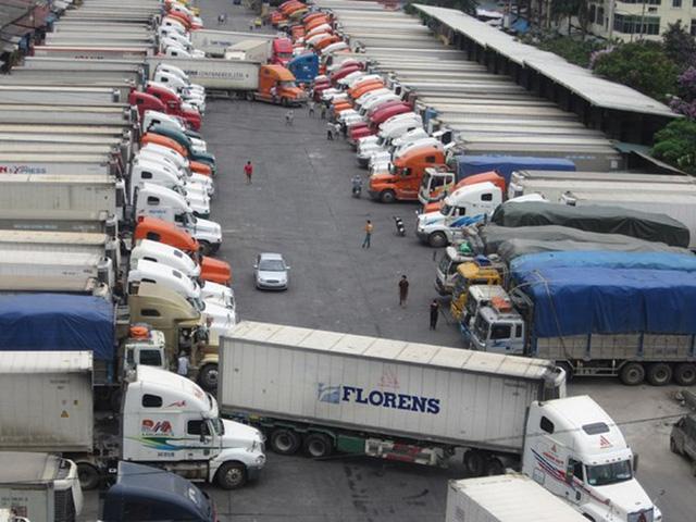 Hàng trăm xe thanh long, mít, chuối… vẫn nằm chờ ở cửa khẩu với Trung Quốc