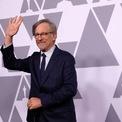 <p> Steven Spielberg là một trong những người nổi tiếng nhất làng điện ảnh thế giới. Ông tham gia sáng tạo và sản xuất hơn 100 bộ phim, với tổng doanh thu phòng vé lên đến hơn 25 tỷ USD. Ảnh: <em>Reuters.</em></p>