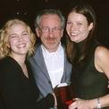 <p> Spielberg là cha đỡ đầu của 2 minh tinh nổi tiếng của Hollywood là Drew Barrymore (trái) và Gwyneth Paltrow. Ảnh: <em>WireImage.</em></p>