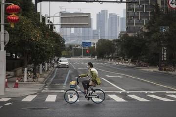 Covid-19 khiến thêm gần 100 người chết tại Trung Quốc, đe dọa quan hệ Mỹ - Trung