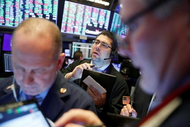 Trung Quốc có thể kiểm soát nCoV trong tháng 4, S&P 500, Nasdaq nhích lên đỉnh mới