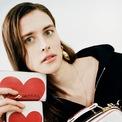<p> <strong>Marc Jacobs</strong></p> <p> Cận kề 14/2, Marc Jacobs tiết lộ bộ sưu tập dành riêng cho dịp Valentine với túi xách da, phụ kiện và bộ trang phục hợp tác cùng Peanuts.</p>
