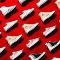 <p> BST của Converse cho Valentine tập trung vào các thiết kế Chuck 70 đến Chuck Taylor Classic, High Top đến Low Top. Toàn bộ sản phẩm sẽ được ra mắt trên tất cả các cửa hàng thuộc hệ thống Converse Việt Nam từ 14/2.</p>