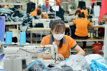 Doanh nghiệp dệt may phải đợi ít nhất đến cuối năm để hưởng lợi từ EVFTA