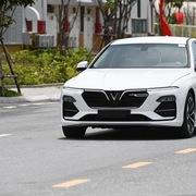 VinFast bất ngờ tăng giá bán cả 3 dòng xe Fadil và Lux