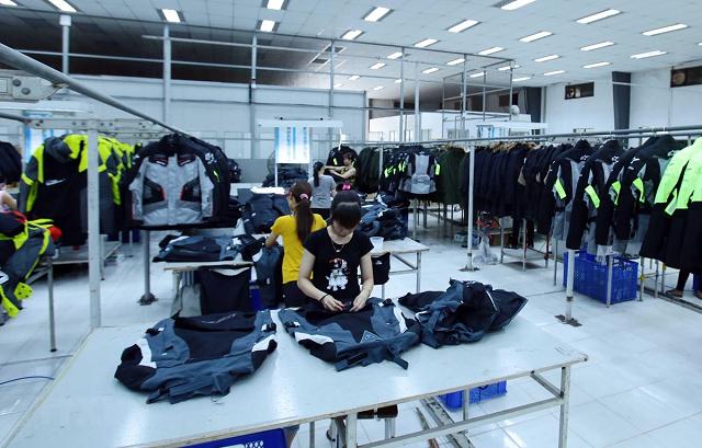 Vì sao cổ phiếu ngành dệt may không tăng như kỳ vọng?