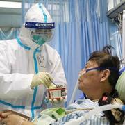 Thêm hơn 2.600 người nhiễm virus corona