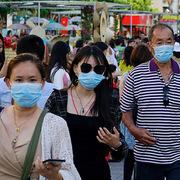 Tiếp tục xử phạt 30 cơ sở y tế bán khẩu trang y tế không chứng từ