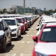 Lượng ôtô nhập khẩu vào Việt Nam giảm mạnh trong tháng đầu năm