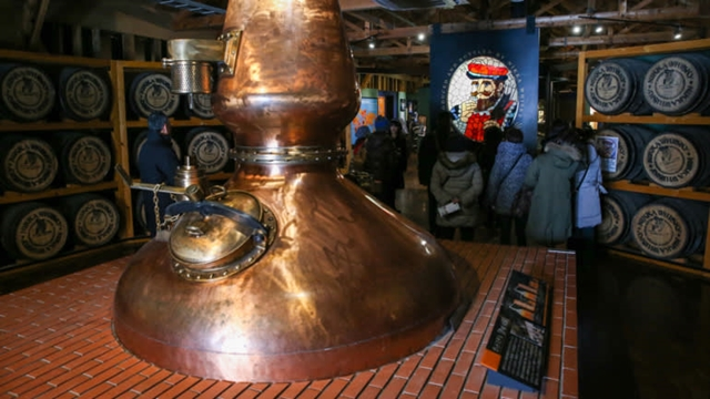 Nhà máy chưng cất Nikka Whisky Yoichi ở tỉnh Hokkaido. Ảnh: Nikkei.