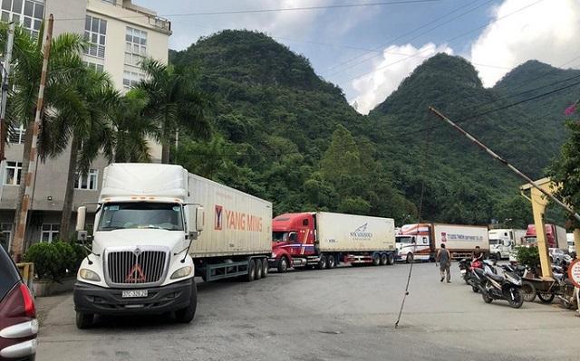 Đang tồn hơn 750 xe hàng tại các cửa khẩu phía Bắc