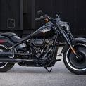 <p> Harley-Davidson, thương hiệu xe phân khối lớn hơn 100 tuổi của Mỹ mới đây giới thiệu phiên bản Harley-Davidson Fat Boy 30th Anniversary kỷ niệm 30 năm với ngoại hình đen mờ giới hạn.</p>