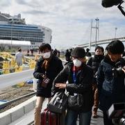 Gần 3.000 hành khách trên du thuyền Diamond Princess bắt đầu lên bờ