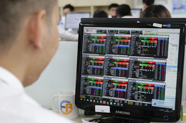 Nhiều doanh nghiệp lên kế hoạch mua lại cổ phiếu khi giá về đáy 1 năm