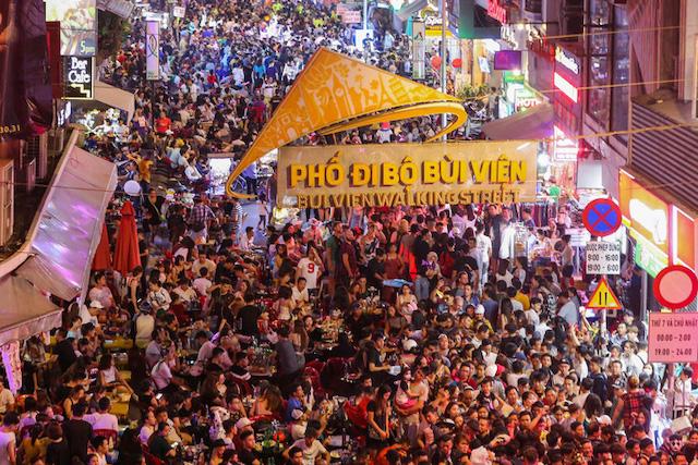 Kinh tế ban đêm là một trong những thế mạnh của du lịch TP HCM. Ảnh: Hoàng Triều.