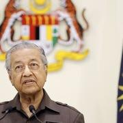 Thủ tướng 94 tuổi của Malaysia xin từ chức