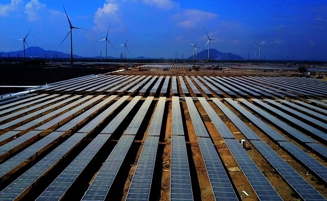 Quảng Trị còn hàng chục dự án điện gió, điện mặt trời chờ bổ sung vào quy hoạch