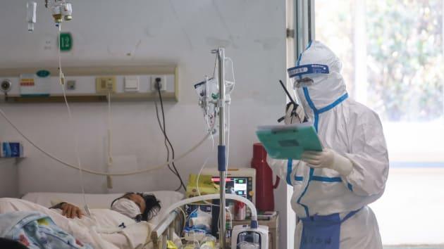 Số ca nhiễm Covid-19 tại nhiều quốc gia liên tục tăng, một số chính phủ đóng cửa biên giới