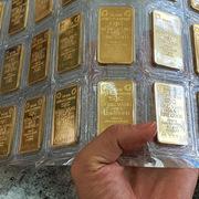 Giá bán vàng tăng theo phút, chạm 49 triệu đồng/lượng, cao nhất 10 năm
