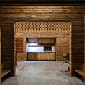 <p> Bếp được bố trí ở khu vực trung tâm của ngôi nhà với phong cách nhỏ gọn.</p>