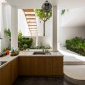 <p> Cây xanh trong nhà.</p>