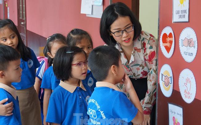 TP HCM đề xuất lớp 9 và 12 đi học từ ngày 2/3, mầm non và tiểu học từ 16/3