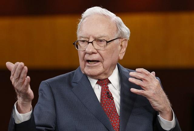Sau nhiều năm dùng điện thoại giá 20 USD, cuối cùng Warren Buffett đã chuyển sang iPhone