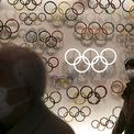 """<p class=""""Normal""""> Khi corona virus càn quét trên toàn cầu, các sự kiện lớn đã bị hủy bỏ và lợi nhuận của công ty bị thu hẹp. Trước những lo ngại về diễn biến phức tạp và số lượng người nhiễm khổng lồ, Olympic Tokyo 2020 đứng trước nguy cơ bị huỷ bỏ.</p>"""