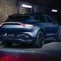 """<p class=""""Normal""""> Xu hướng nổi bật của ngành công nghiệp chế tạo ôtô hiện nay là sản xuất các mẫu xe crossover. Không đứng ngoài cuộc, với DBX Aston Martin chứng tỏ chiến lược kinh doanh và sự nhập cuộc tích cực với xu hướng.</p> <p class=""""Normal""""> Sau khi tránh được nguy cơ sụp đổ tài chính vào đầu năm nay, Aston Martin đang tăng tốc cho ra đời các thiết kế xe mới. Theo <em>Robb Report</em>, gần đây nhất DBX đã được hãng kiểm nghiệm trên sa mạc Ô-man. Sau cuộc chạy thử, Aston Martin thêm tự tin rằng mẫu xe mới sẽ là một chiếc xe thể thao hạng sang đồng thời được kết hợp chương trình bespoke về dịch vụ cho mỗi chiếc xe.</p> <p class=""""Normal""""> Aston Martin cung cấp 2 phong cách dịch vụ bespoke cho mẫu xe mới bao gồm: Q Collection và Q Commission, nơi khách hàng có thể tự do trong việc tuỳ chỉnh thiết kế, trang bị cho xe theo nhu cầu và ngân sách.</p>"""