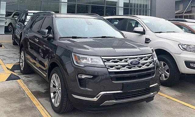 Ford Explorer hạ giá gần 270 triệu đồng
