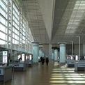 <p> Bức ảnh chụp cảnh sân bay quốc tế Incheon vắng vẻ vào ngày 18/2. Kể từ khi dịch Covid-19 bùng phát và lan nhanh ở Hàn Quốc, nhiều quốc gia và hãng hàng không có xu hướng hạn chế đi lại với nước này. Mới đây, hãng hàng không quốc gia Korean Air xác nhận một thành viên phi hành đoàn đã nhiễm bệnh,khiến công ty phải đóng cửa một văn phòng gần sân bay quốc tế Incheon.<br /><br /> Chính phủ Hàn Quốc dự kiến triển khai các biện pháp kích thích tài chính và tiền tệ để hỗ trợ nền kinh tế trong bối cảnh dịch Covid-19 phát triển mạnh. Bộ Tài chính Hàn Quốc ngày 25/2 cho biết đang chuẩn bị gói ngân sách bổ sung và sẽ nhanh chóng đệ trình lên quốc hội để phê duyệt. Giới truyền thông đưa tin giá trị của gói kích thích này vào khoảng 10 tỷ USD, tương đương 2% tổng ngân sách năm 2020.Ảnh: <em>EPA</em>.</p>