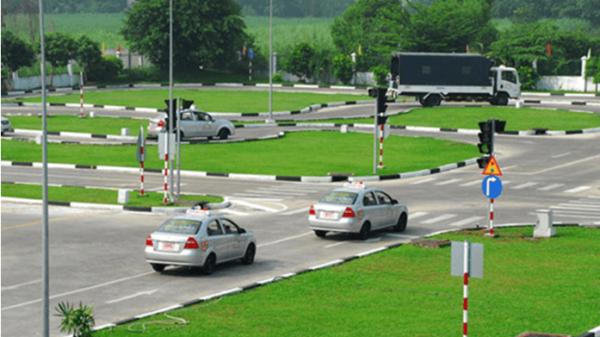 Không có chuyện học phí lái xe 2020 tăng lên 30 triệu đồng