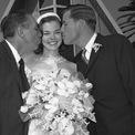 <p> Một người con gái khác của Walt, Sharon, nhận nuôi một đứa con với người chồng đầu tiên, Robert Brown. Sau này, bà có thêm một cặp song sinh, Brad và Michelle, với người chồng thứ hai, Bill Lund. Giống như chị gái, Sharon lựa chọn cuộc sống ít ồn ào và không bị ảnh hưởng bởi sự nổi tiếng của Disney. Bà qua đời năm 1993 ở tuổi 56 vì ung thư vú. Ảnh:<em>Getty Images</em></p>