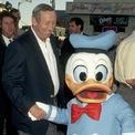 <p> Về phía gia đình anh trai của Walt, Roy O. và vợ Edna Francis có một người con trai là Roy E. Disney - sau này trở thành giám đốc điều hành cấp cao cho công ty Walt Disney.Ảnh:<em>Getty Images</em></p>