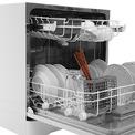 """<p> <strong>2. Máy rửa bát</strong></p> <p class=""""Normal""""> Như một người trợ lý đặc lực giúp công việc dọn dẹp sau bữa ăn trở nên dễ dàng và nhanh chóng, kết thúc bữa ăn bạn cho toàn bộ bát đũa xếp trong máy rửa khoảng 40 phút và mọi việc hoàn tất.</p> <p class=""""Normal""""> Dùng máy rửa bát, tay sẽ không phải tiếp xúc với hoá chất như nước rửa chén, không gây hại da tay nhất là với ai có làn da nhạy cảm.</p> <p class=""""Normal""""> Các thương hiệu máy rửa bát nổi tiếng có thể kể đến: Bosch (Đức), Giovani (Italya), Kaff (thương hiệu Đức nhưng nhà máy sản xuất tại Malaysia), Electrolux (Ba Lan)...</p> <p class=""""Normal""""> Chi phí: Tuỳ theo kích cỡ máy và nhu cầu của gia đình cũng như hãng sản xuất mà giá thành khác nhau. Tuy nhiên khoảng 9 triệu là có thể mua được máy rửa bát mới cho gia đình 4 người.</p>"""