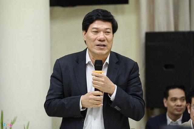 Ông Nguyễn Nhật Cảm, Giám đốc Trung tâm kiểm soát bệnh tật TP Hà Nội, cho rằng dịch Covid-19 là bệnh mới, cộng đồng chưa có miễn dịch nên mọi người đều có nguy cơ nhiễm bệnh