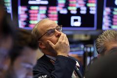 Phố Wall tiếp tục đi xuống, S&P 500 có tuần giảm mạnh nhất từ năm 2008