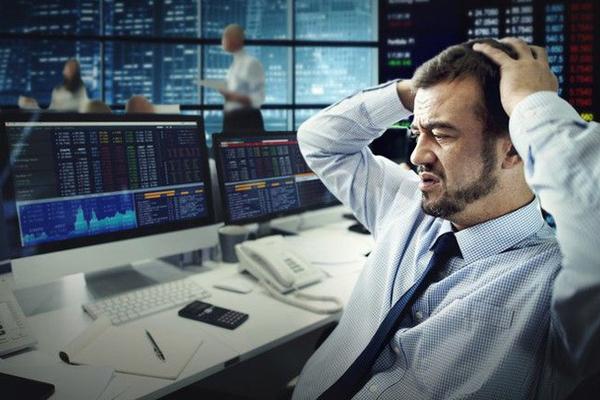 Khối ngoại bán ròng 5 tuần liên tiếp, 3 quỹ ETF lớn nhất thị trường bị rút vốn