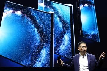 Cuộc 'so găng' điện thoại gập của Samsung và Huawei