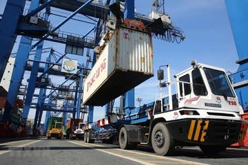 Thặng dư thương mại hàng hóa tháng 2 đạt 100 triệu USD