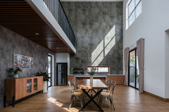 'Nhà của mẹ' tại Đồng Nai với bếp đặt giữa nhà, phòng khách ở mái hiên