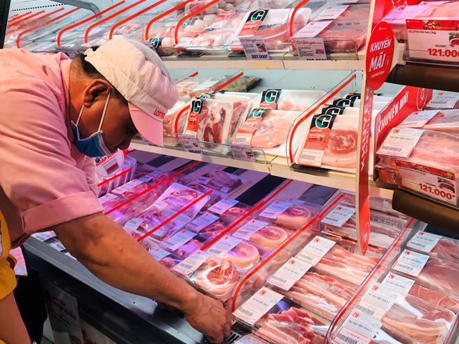 Miền Bắc tiếp tục 'sóng' ngầm, giá lợn hơi áp sát ngưỡng 90.000 đồng/kg
