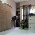 <p> Phòng ngủ trong căn hộ 44 m2 của gia đình anh Cường khá hẹp, được sử dụng đệm ngủ để tiết kiệm diện tích. Ban ngày, đệm được dựng lên để có không gian sinh hoạt, vui chơi cho các con. Theo anh Cường, diện tích nhỏ nhưng nếu bố trí, sắp xếp gọn gàng thì vẫn ổn.</p>