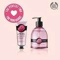 <p> <strong>9. The Body Shop</strong></p> <p> The Body Shop không chỉ nức tiếng về các sản phẩm dưỡng da và mỹ phẩm, thương hiệu nước Anh còn đa dạng phạm vi hàng hoá.</p> <p> Nước rửa tay của hãng có 2 dạng: dạng lỏng (6 sản phẩm) và dạng gel (3 sản phẩm) với mùi hương không mang kết cấu cầu kỳ mà đơn giản, thanh sạch như hoa hồng Anh, tràm trà...</p> <p> Dạng gel: 100 ml - giá 4,7 USD</p> <p> Dạng lỏng: 275 ml - giá 8 USD</p>