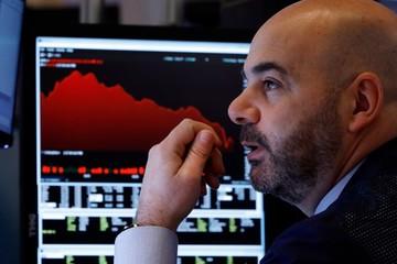 Fed hạ lãi suất khẩn cấp, lợi suất trái phiếu Mỹ xuống dưới 1% lần đầu trong 150 năm